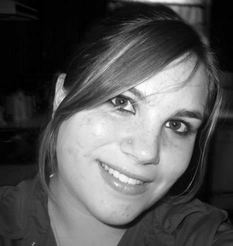 Pauline jeune femme de 27 ans sur Poitiers cherche un plan cul