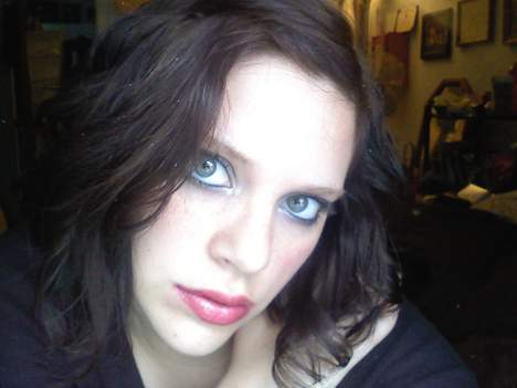 Femme 27 ans sur Saumur cherche un plan cul d'un soir