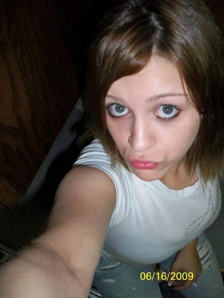 Femme 26 ans sur Tours recherche rencontre pour plan baise d'un soir