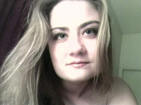 Femme de 34 ans sur Tours cherche un homme